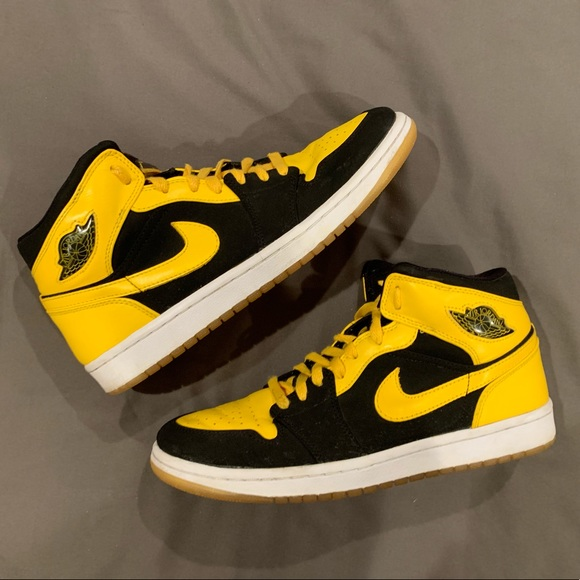 Nike Air Jordan Retro 1 High OG New Love Size 9.5